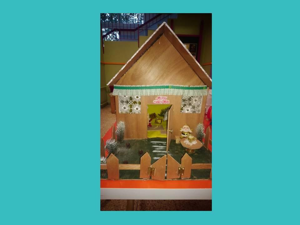 Ξύλινο χριστουγεννιάτικο σπίτι