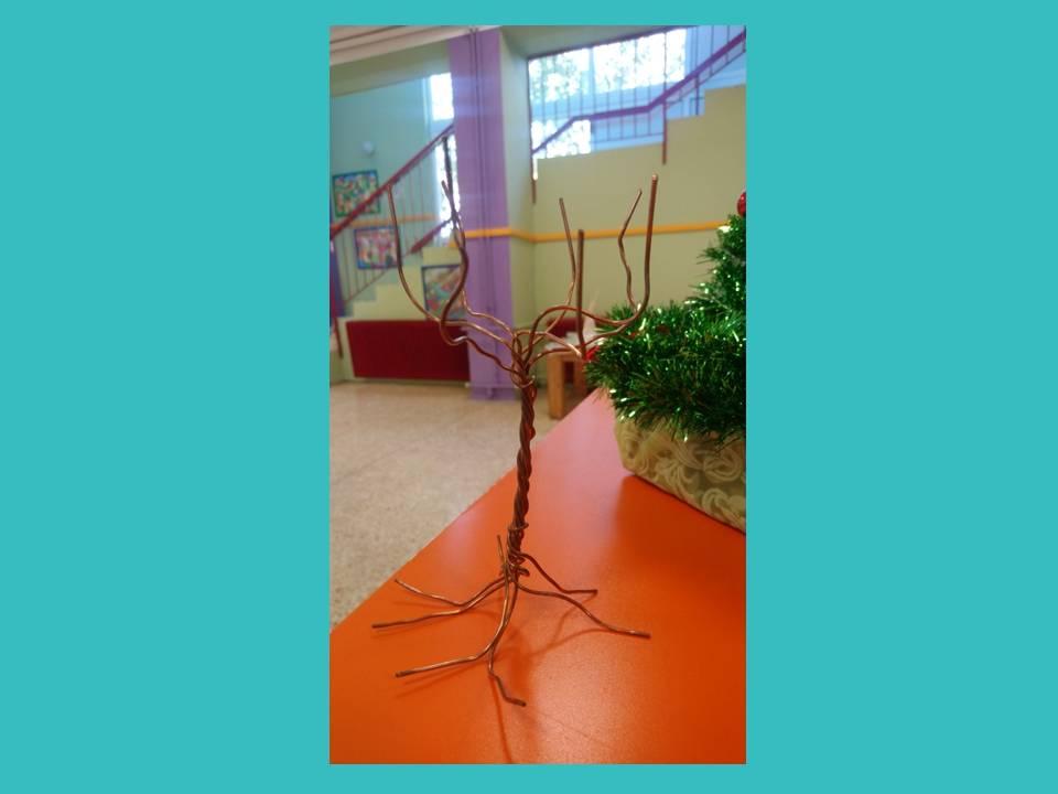 Δέντρο από χάλκινο σύρμα