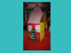 Χάρτινο χριστουγεννιάτικο σπίτι