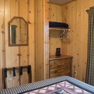 storage-cabin-7-riverside-point-resort.j