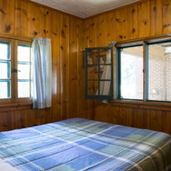 master-bedroom-cabin-1-riverside-point-r