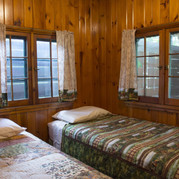 double-bed-room-cabin-6-riverside-point-