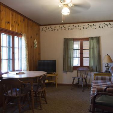 frontroom-cabin-1-riverside-point-resort