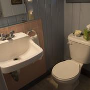bathroom-cabin-4-riverside-point-resort.