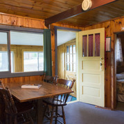 dining-area-cabin-8-riverside-point-reso