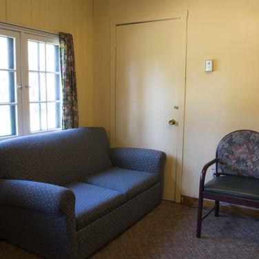 front-room-cabin-4-riverside-point-resor