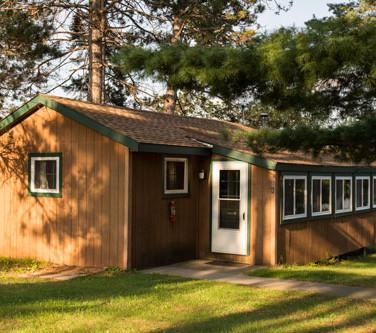 Riverside-Point-Resort-Cabin-8.jpg