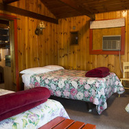 triple-bed-room-cabin-8-riverside-point-