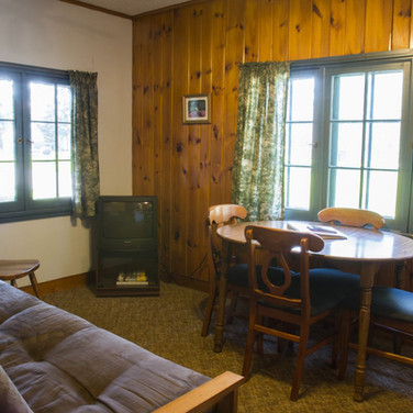 front-room-cabin-6-riverside-point-resor