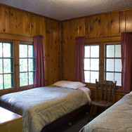 dual-twin-bed-cabin-2-riverside-point-re