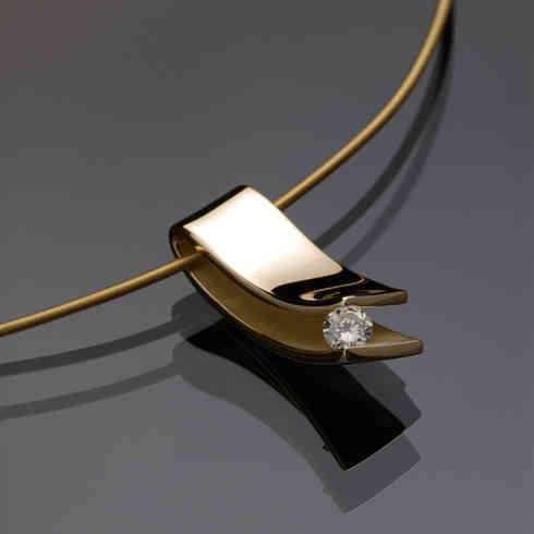 Pendant | gold, diamond