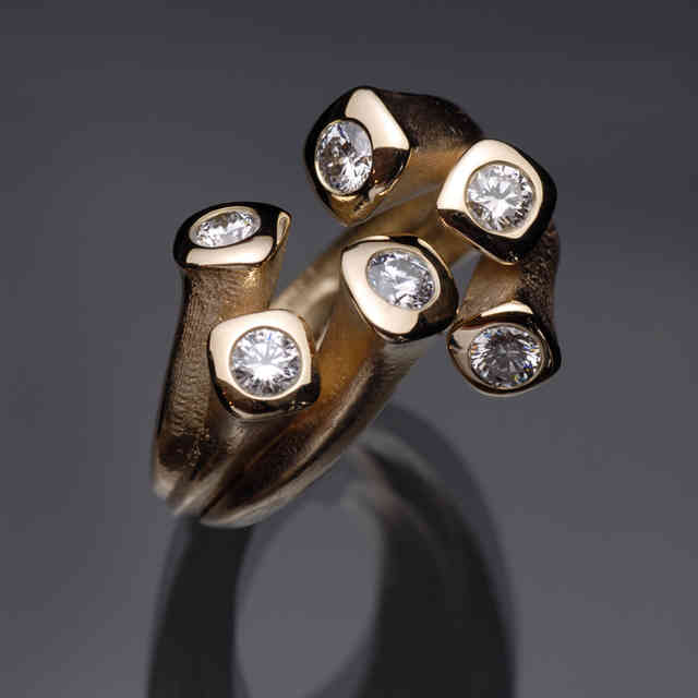 Ring | gold, diamonds