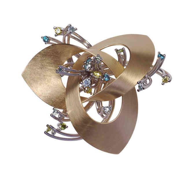 Pendant/broche | gold, coloured diamonds