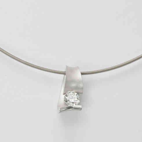 Pendant | platinum diamond