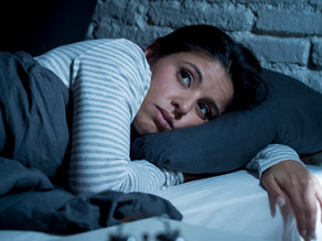 Vi vaknar mitt i natten när vi är stressade – varför?
