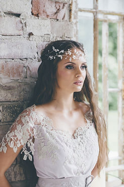 double_layered_bridal_headpiece_1024x102