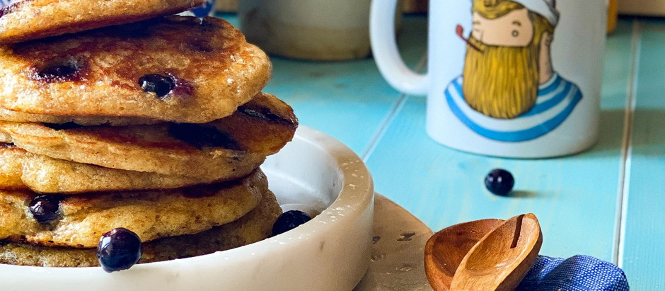 Pancakes integrali ai mirtilli ( blueberries pancakes)