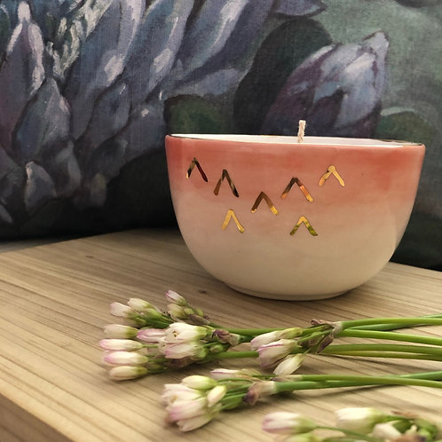 Hand poured Soy candle - peach with 18kt gold stripes