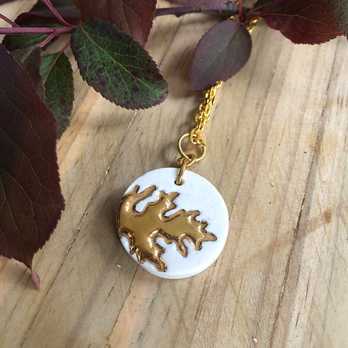 Porcelain small disc on chain - White & 18kt Gold