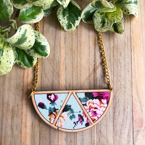 Timber & Fabric Half moon necklace - Pink floral