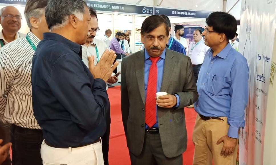 Secretary Ministry of Water Resources Shri. U.P. Singh has a taste of water produced from MEGHDOOT Atmospheric Water Generator at 6th India Water Week 2019, New Delhi.