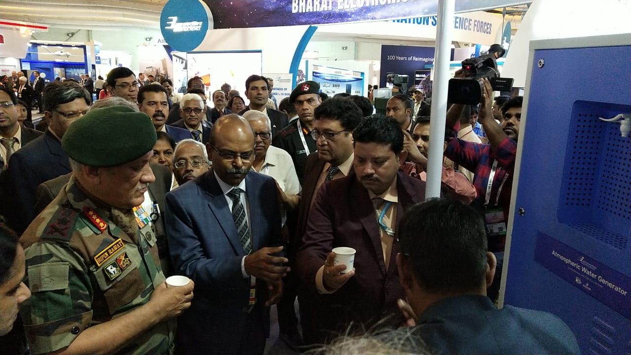 Chief of Defence Staff, General Bipin Rawat inaugurates MEGHDOOT at the Aero India show 2019 at Bengaluru along with the BEL CMD Shri MV Gowtama.