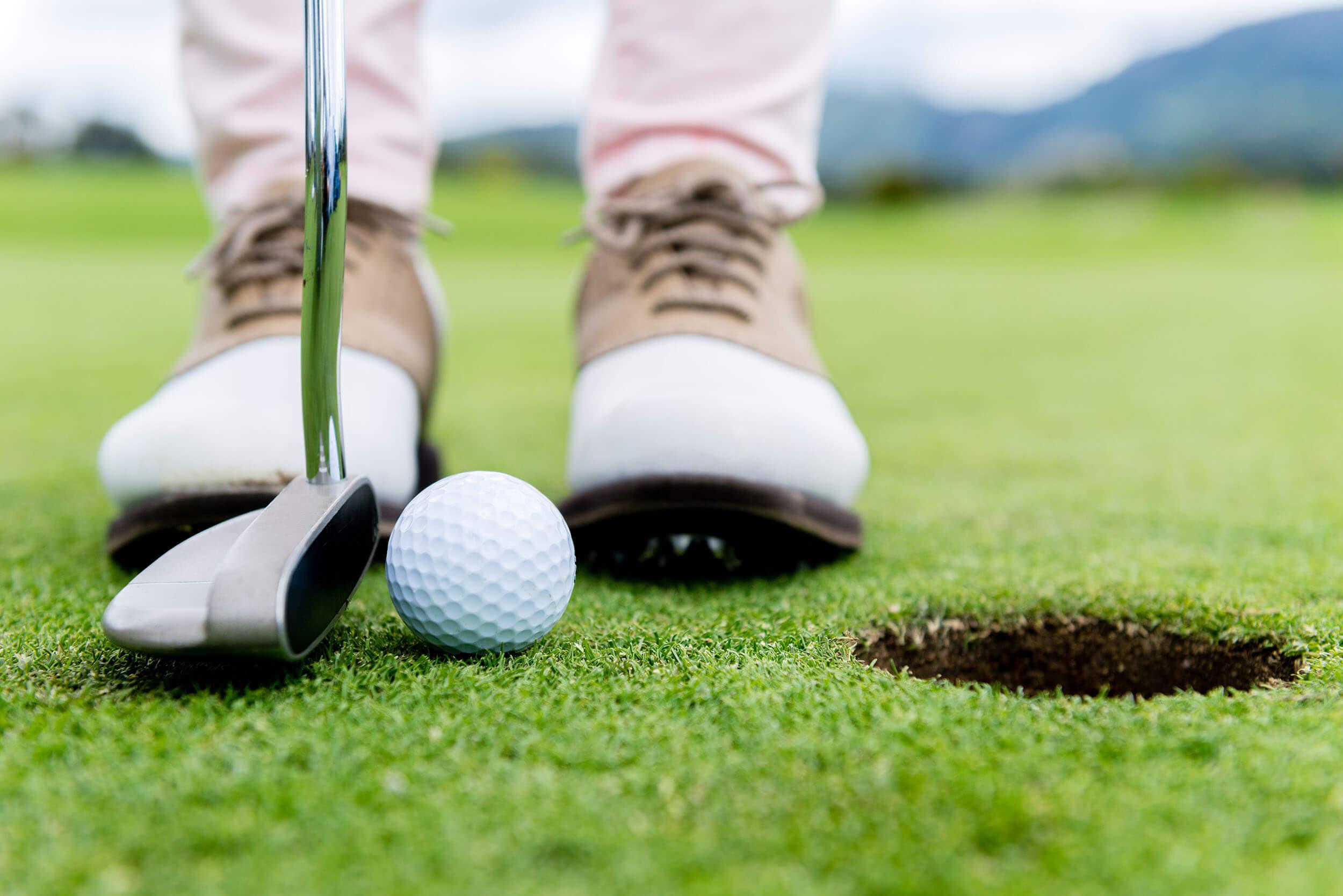 Ütős nap a golfpályán