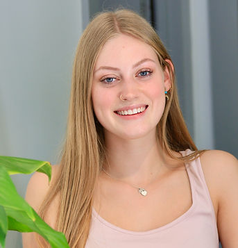 emily receptionist evolved physio melbou