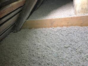Izolace foukanou celulózou na nepochozí půdě