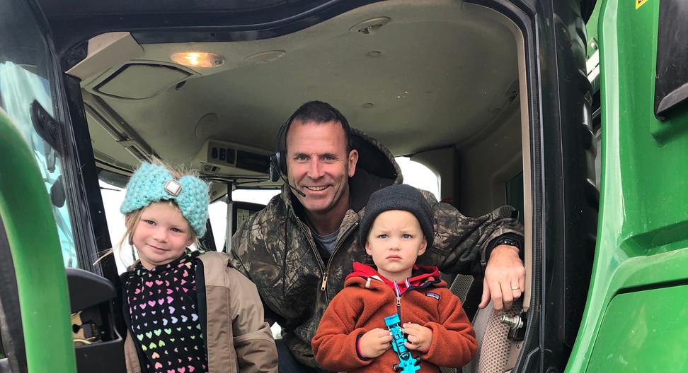 Ellie and Hud visit Uncle Chris, Harvest 2019