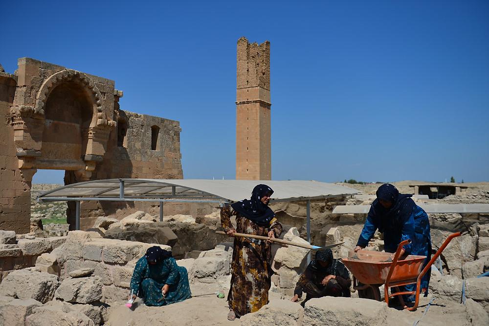UNESCO Dünya Mirası Geçici Listesi'nde yer alan Harran Ören Yerindeki kazı çalışmalarına