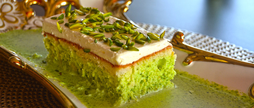 Royal Milk Cake Pistachio