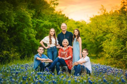 Familysession-bluebonnets-twentytoesphotography-templetexas.jpg