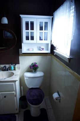 Cowboy room bathroom.jpg