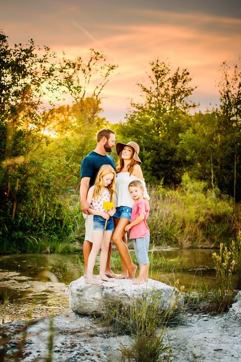 Familyphotographerwacotexas-creekfamilysession-wacotexas-centraltexasbestphotographer-familysession.jpg