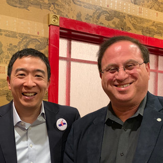 Art cohen with Presidential candidate Andrew Yang 012019.jpg