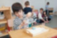 Exercices de versés Montessori 3-6 ans