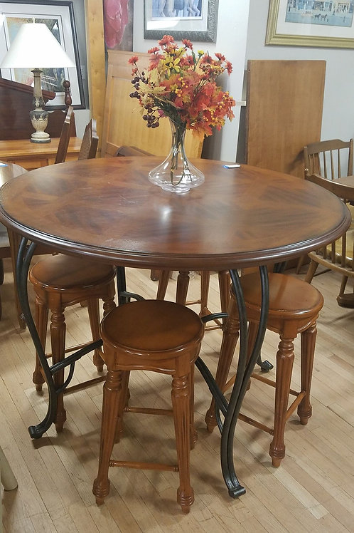 Hight Top Circle Table with 4 stolls