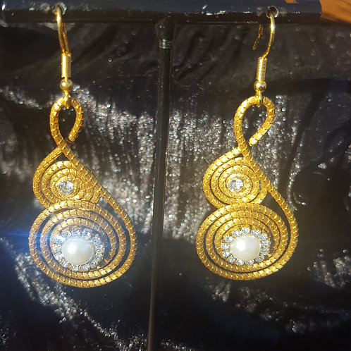 Boucles double spirales capim, perle et strass