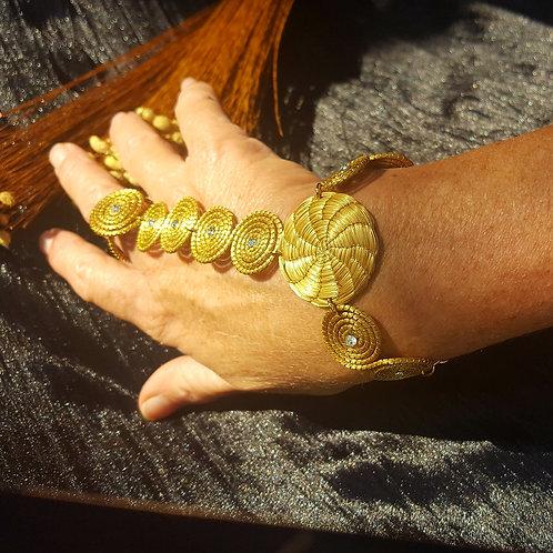 Bijoux de main or végétal et strass