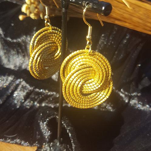 Boucles anneaux entrelacés capim