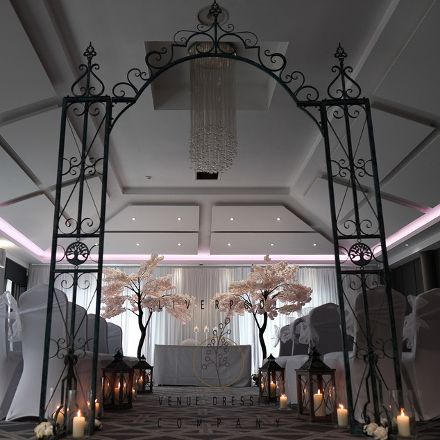 liverpool-venue-dressing-512.JPG