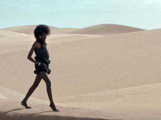 Petit moment de détente avec Saint Laurent dans le désert.