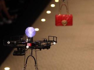 Fashion Week de Milan : Quand Dolce & Gabbana présentent leurs sacs à main sur des drones...
