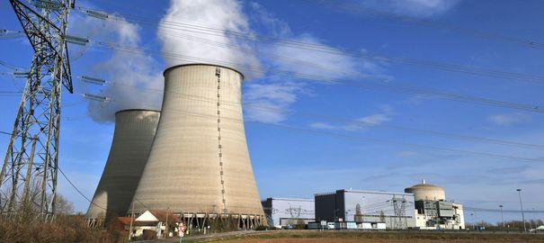 la-centrale-nucleaire-de-belleville-sur-loire-le-15-mars-2011_5145499.jpg