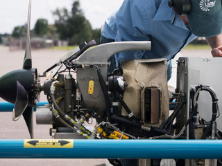 PICTURES: UAV Turbines tests micro turboprop on drone