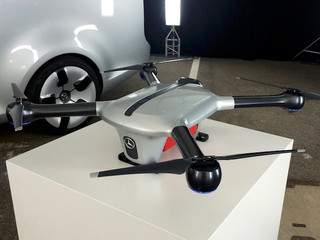 Mercedes se met aux drones