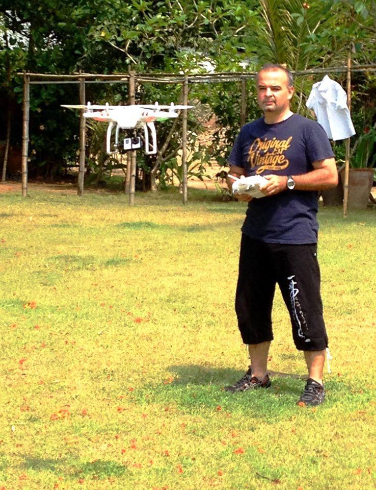 Cédric Giboulot pilotant son Phantom au Cambodge