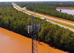 Après la tempête, les drones rendent les inspection des antennes cellulaires beaucoup plus rapides.