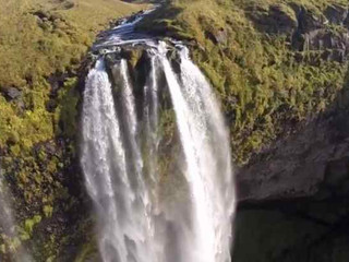 VIDEO. Des images de cascade à couper le souffle vues de drone
